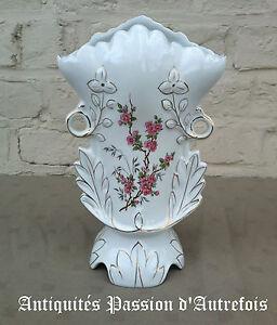 B20152013-Vase-cornet-034-de-mariee-034-de-24-5-cm-en-porcelaine-Tres-bon-etat
