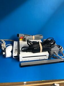 Nintendo-Wii-System-Complete