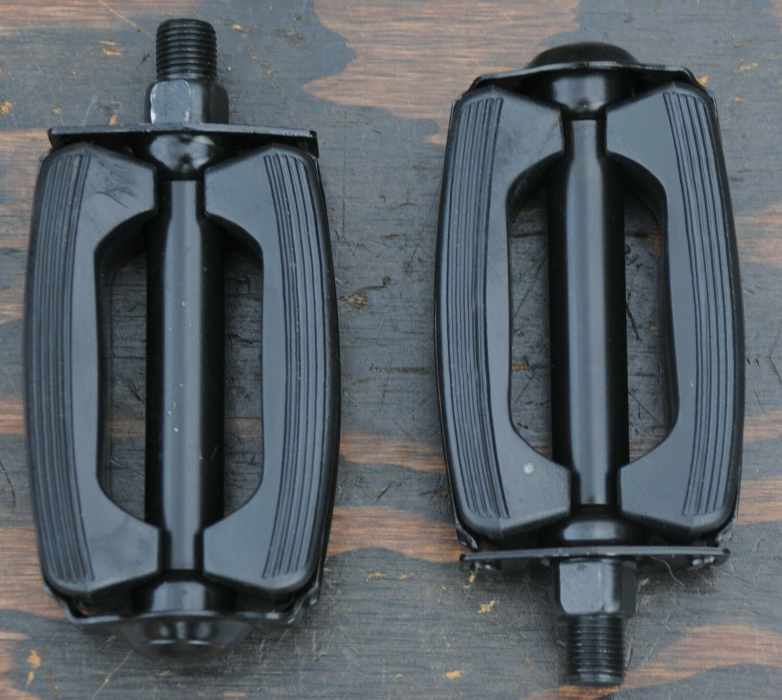 """STINGRAYS,CRUISERS. KRATE  BOW BICYCLE PEDALS,1//2/"""",SOLID BLACK"""