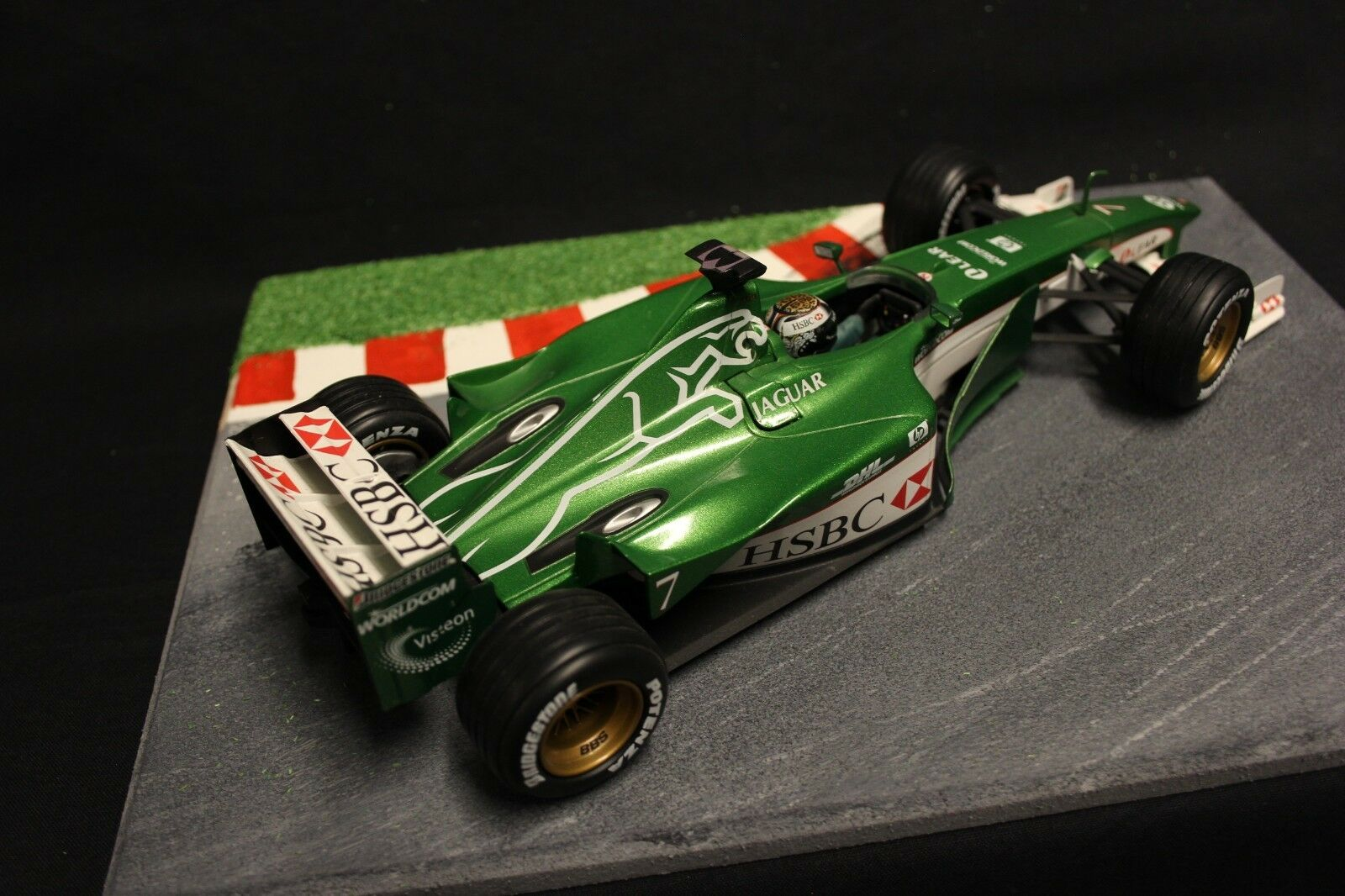 Hot Wheels Jaguar Racing R1 2000 1 1 1 18 Eddie Irvine (GBR) (F1NB) 594dcf