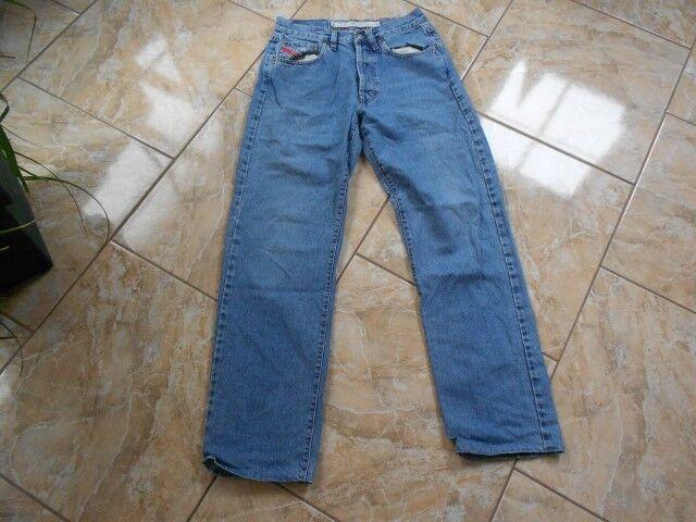 H4322 Diesel Cheyenneq Jeans W32 W32 W32 Mittelblau  Gut    Online Shop Europe  7390cf