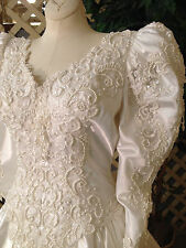 MORI LEE WHITE SATIN WEDDING GOWN RENAISSANCE FAIRE DRESS COSTUME MEDIUM-LARGE