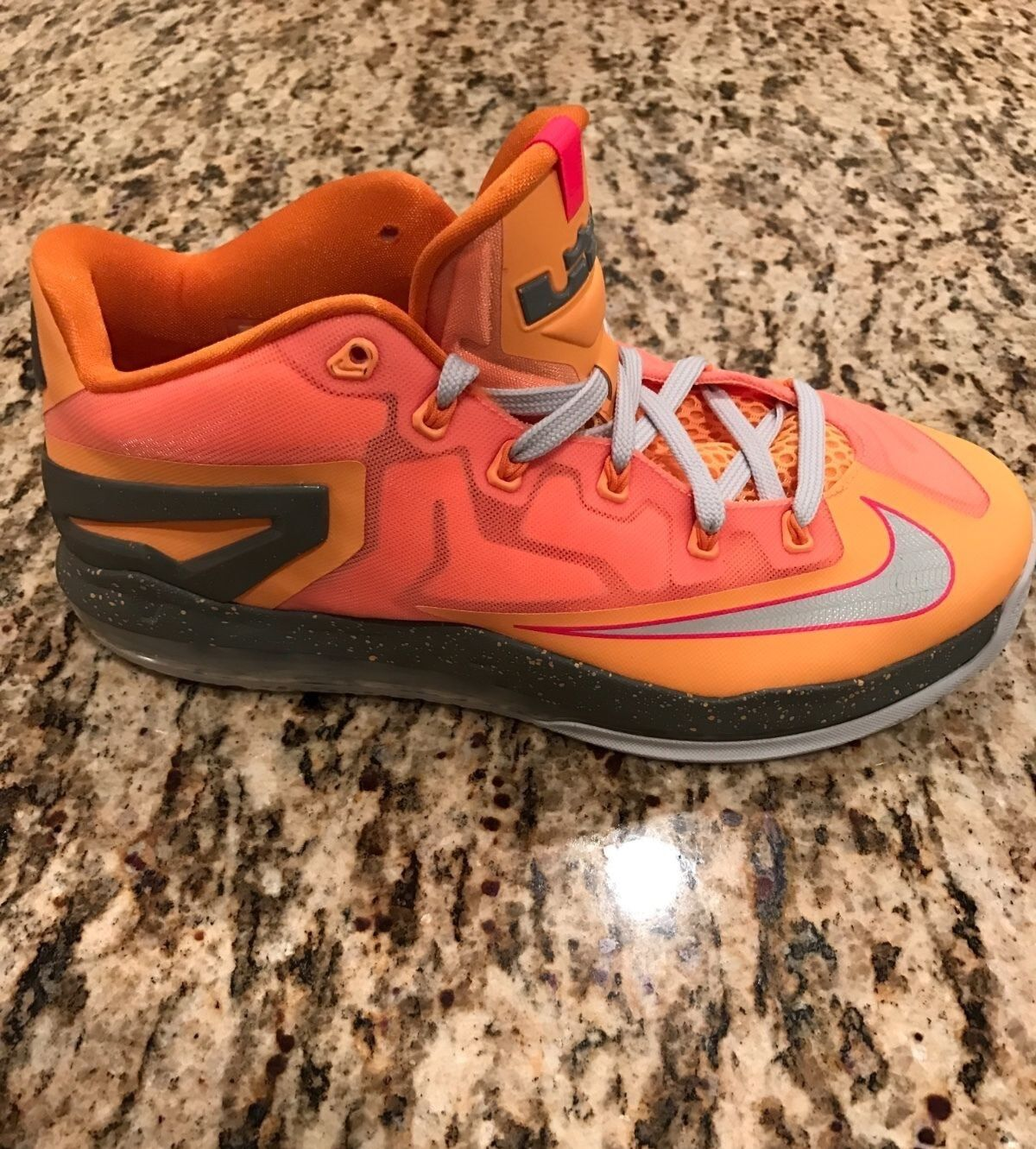 Lebron 11 Lows Floridian - Size 9.5 - Brand New -