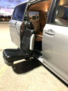 Accessible Toyota Sienna LE 2016 - Bruno valet seat & ext warran