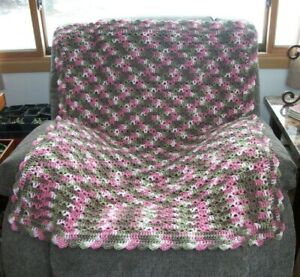 New-Hand-Crochet-Lap-Blanket-Lapghan-Wheelchair-Agfhan-Throw-Blanket-Pink-Camo