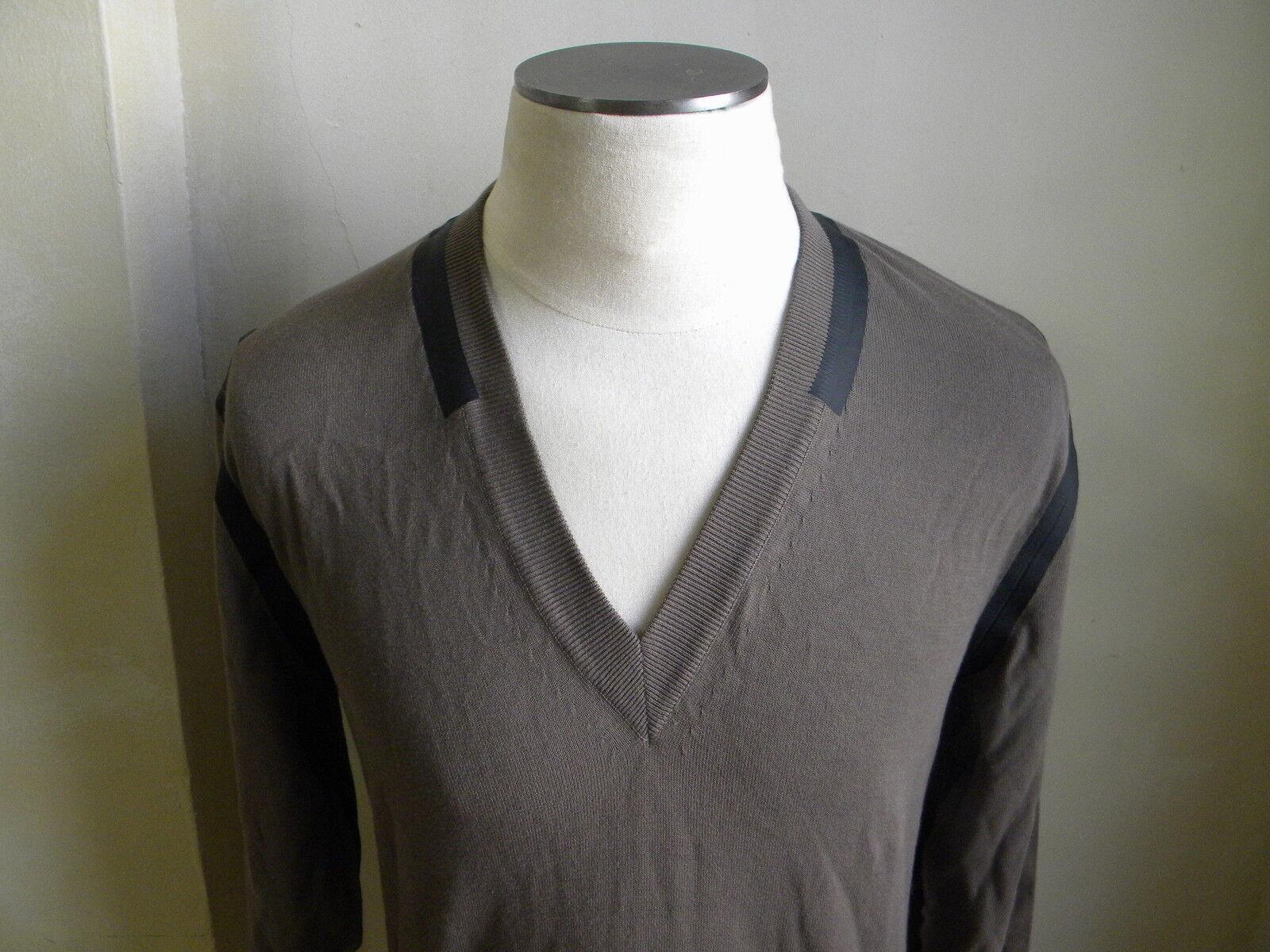 Dolce&gabbana Toll Sand V-Ausschnitt Pullover mit Schwarz PVC Linie Trimm 50 M