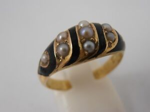 VICTORIAN-15ct-GOLD-SEED-PEARL-MOURNING-RING-CHESTER-1881-HALLMARK-ANTIQUE