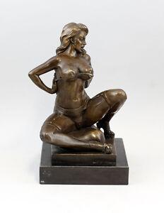 9937411-dss-Sculpture-Bronze-Statue-B-Zach-Female-Nude-in-Erotic-Pose
