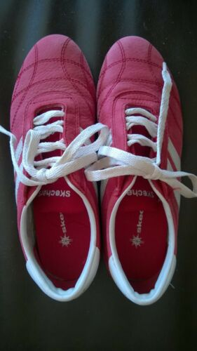 Vintage red  white Skechers suede sneaker casual s