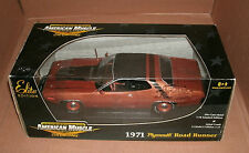 1/18 Plymouth Road Runner Diecast Model 1971 RoadRunner 440 Chase Car Ertl 39490