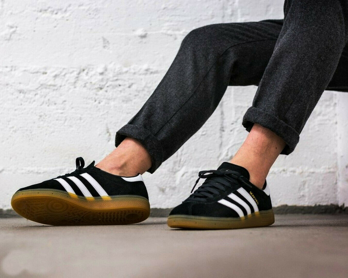 BNWB & AUTHENTIQUE Adidas Originals ® München Noir Blanc Daim paniers Taille UK 7