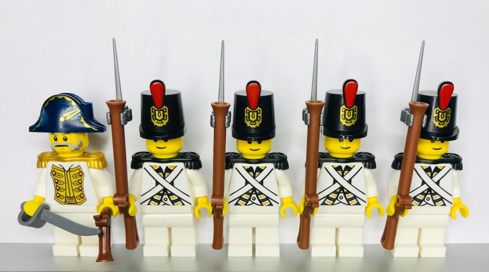 Lego PIRATES Imperial Guard Guard Guard Armada blueECOAT Soldiers MINIFIGS White VERSION 2fd64c