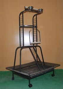 LARGE-PARROT-BIRD-PLAY-STAND-ACTIVITY-GYM-RRP-275