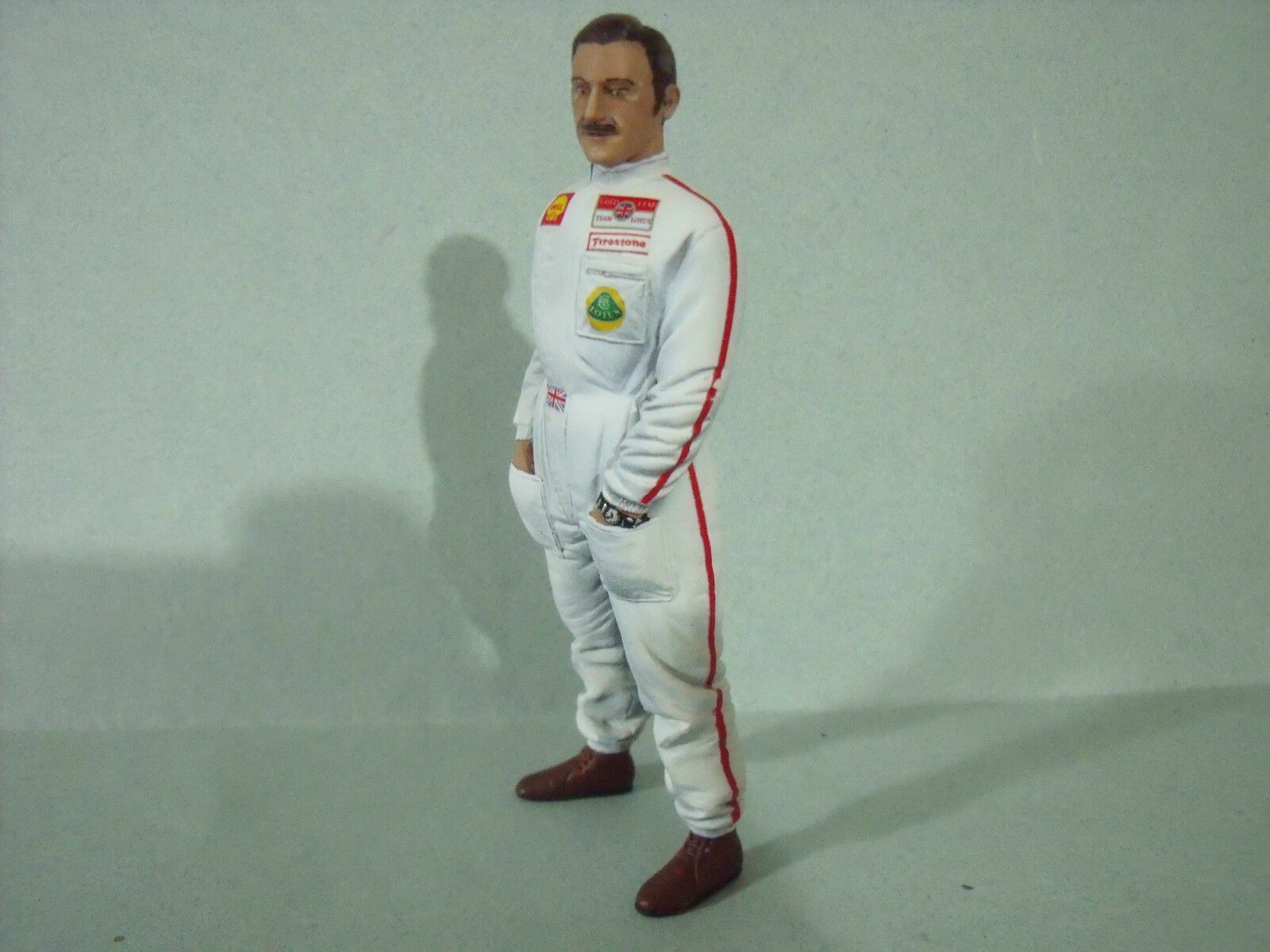 FIGURINE  1 18  GRAHAM  HILL  VROOM  A  PEINDRE  UNPAINTED  FOR  LOTUS  SPARK