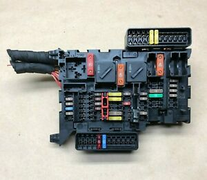 2014 2015 2016 2017 Mini Cooper F56 Fuse Relay Box Control Module