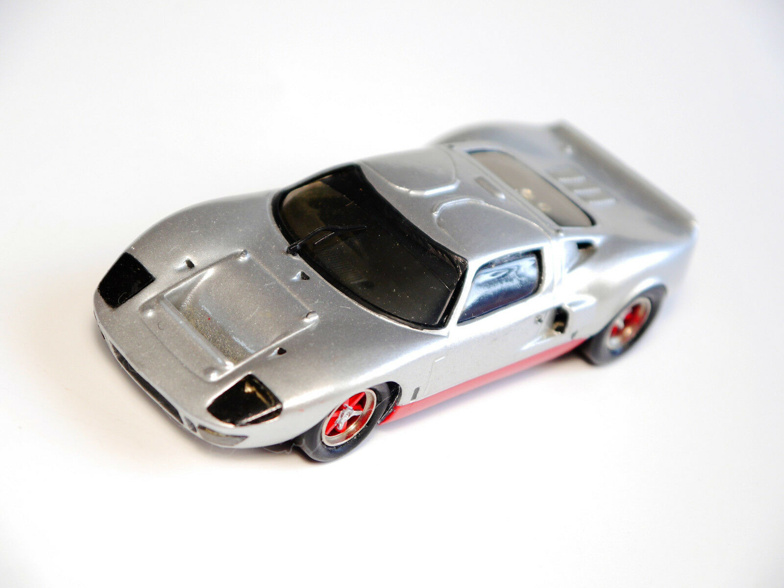 FORD GT 40, fatto a mano handmade record model kits in 1 43
