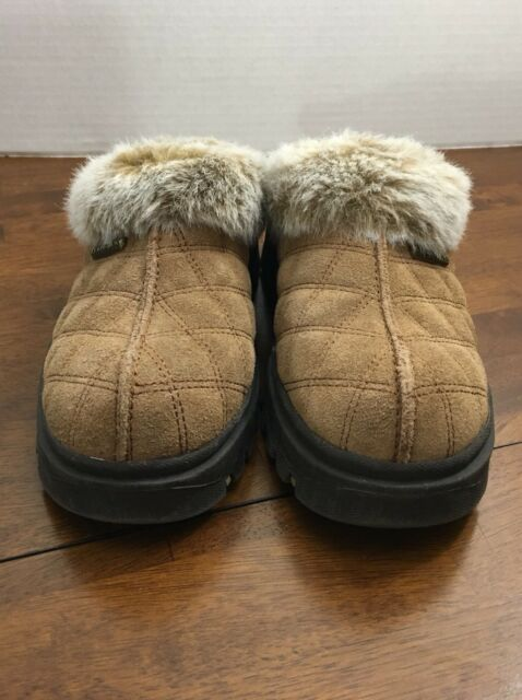 Womens Skechers Tan Quilted Faux Fur Lined Clogs Size 7M
