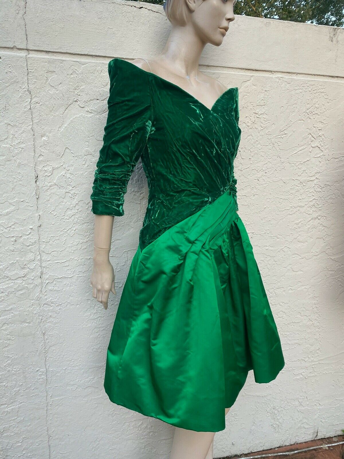 ARNOLD SCAASI BOUTIQUE VINTAGE 80's OFF THE SHOUL… - image 4