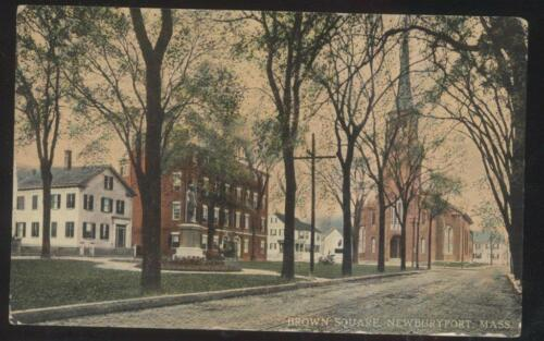 POSTCARD NEWBURYPORT MAMASSACHUSETTS BROWN SQUARE CHURCH & BUILDINGS 1907