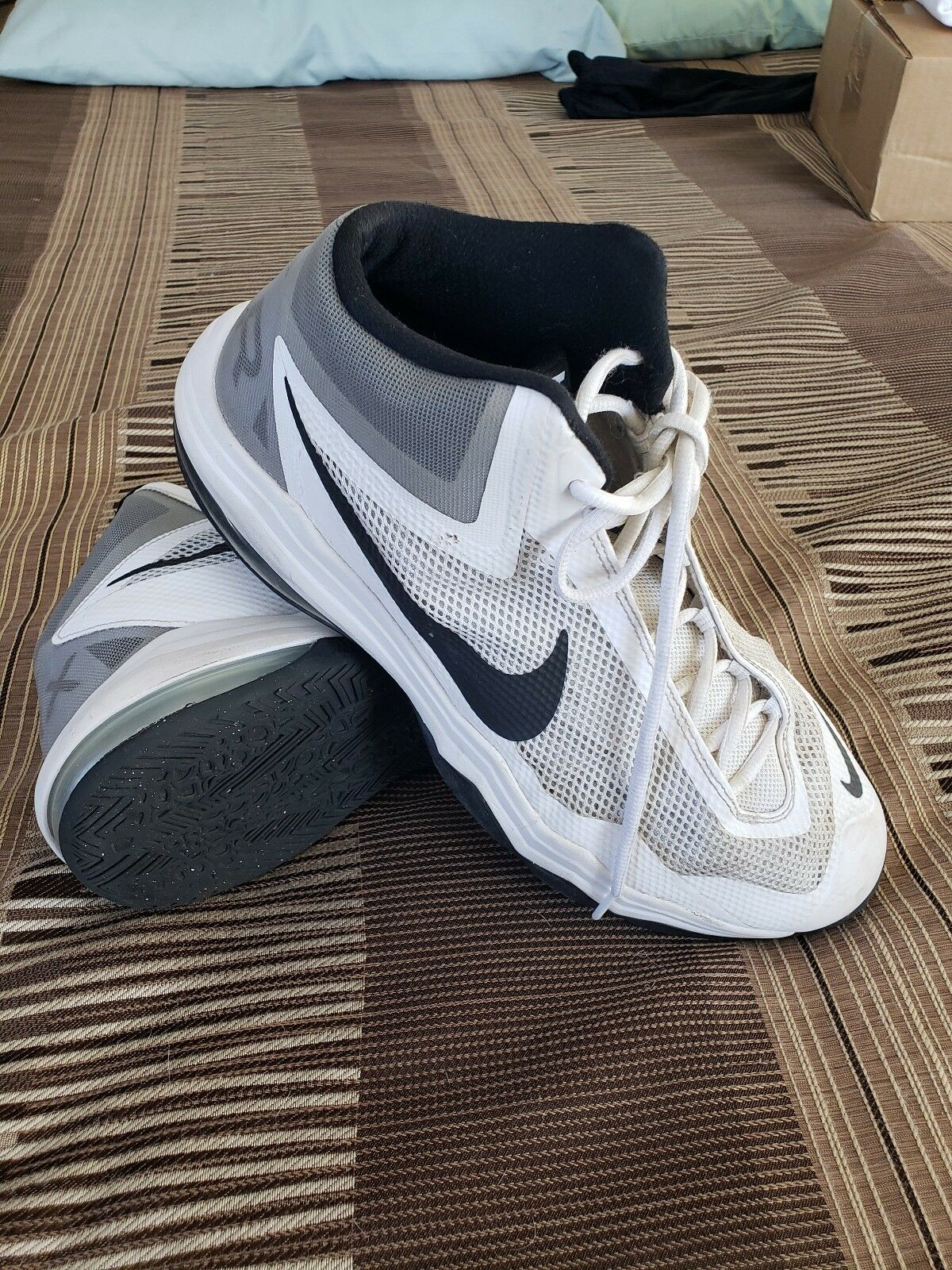 Mens  Nike Max Air Audacity athletic shoes size 12