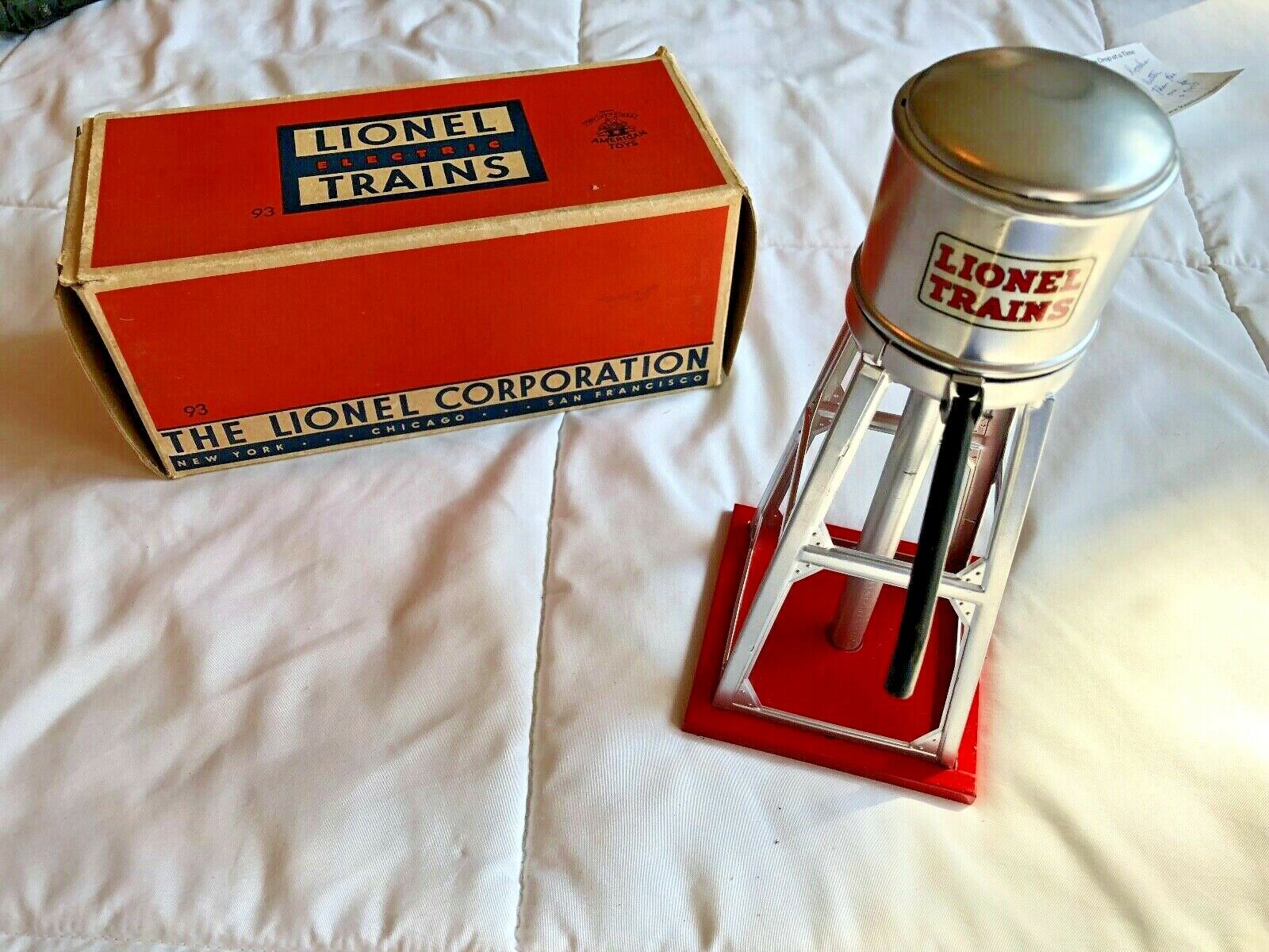 Lionel Water Tank No. 93 Very Nice Condition with box