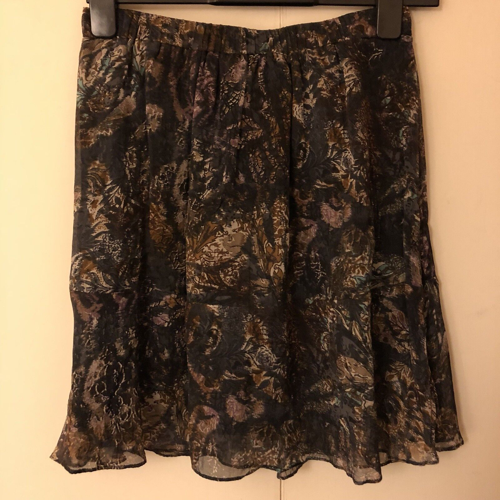 Brora Silk Skirt. Size 10. Used a handful of times