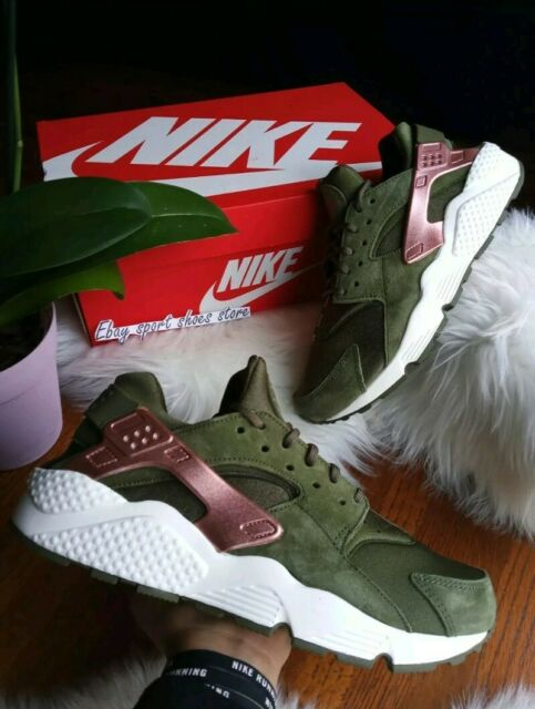 9.5 WOMEN'S Nike Air Huarache Run olive Green Rose gold white running AT5700 300