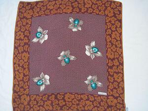Authentique Foulard GIANNI VERSACE 100% soie TBEG vintage scarf   eBay 15ba24504b6