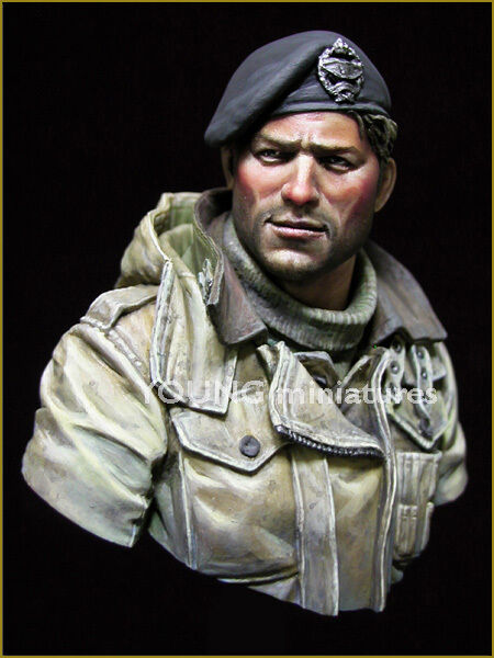 Young Miniatures British Tank Crew WW2 1 10th Bust YM1835 Unpainted kit