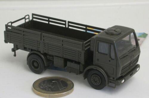 Bundeswehr   Holzpritsche MB 1017 LKW   5ton Herpa//Maag 740098