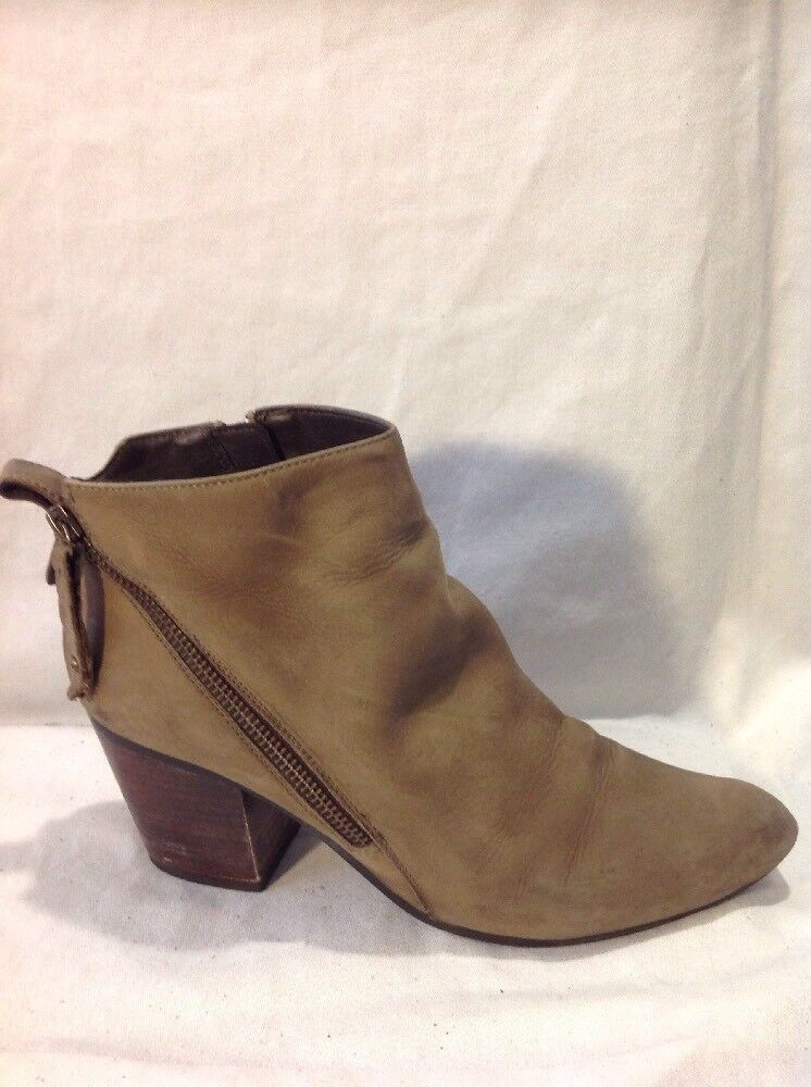 Steve Madden Brown Ankle Leather Boots Size 6.5