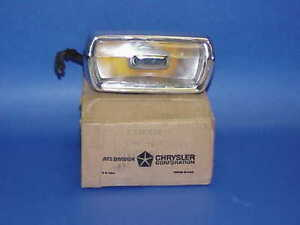 1969-Plymouth-Barracuda-Cuda-NOS-MoPar-Right-PARKLAMP-2930882