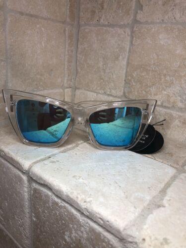 Quay Australia Lunettes de soleil pour femmes Vesper clair//bleu Neuf avec étiquettes comprend étui souple