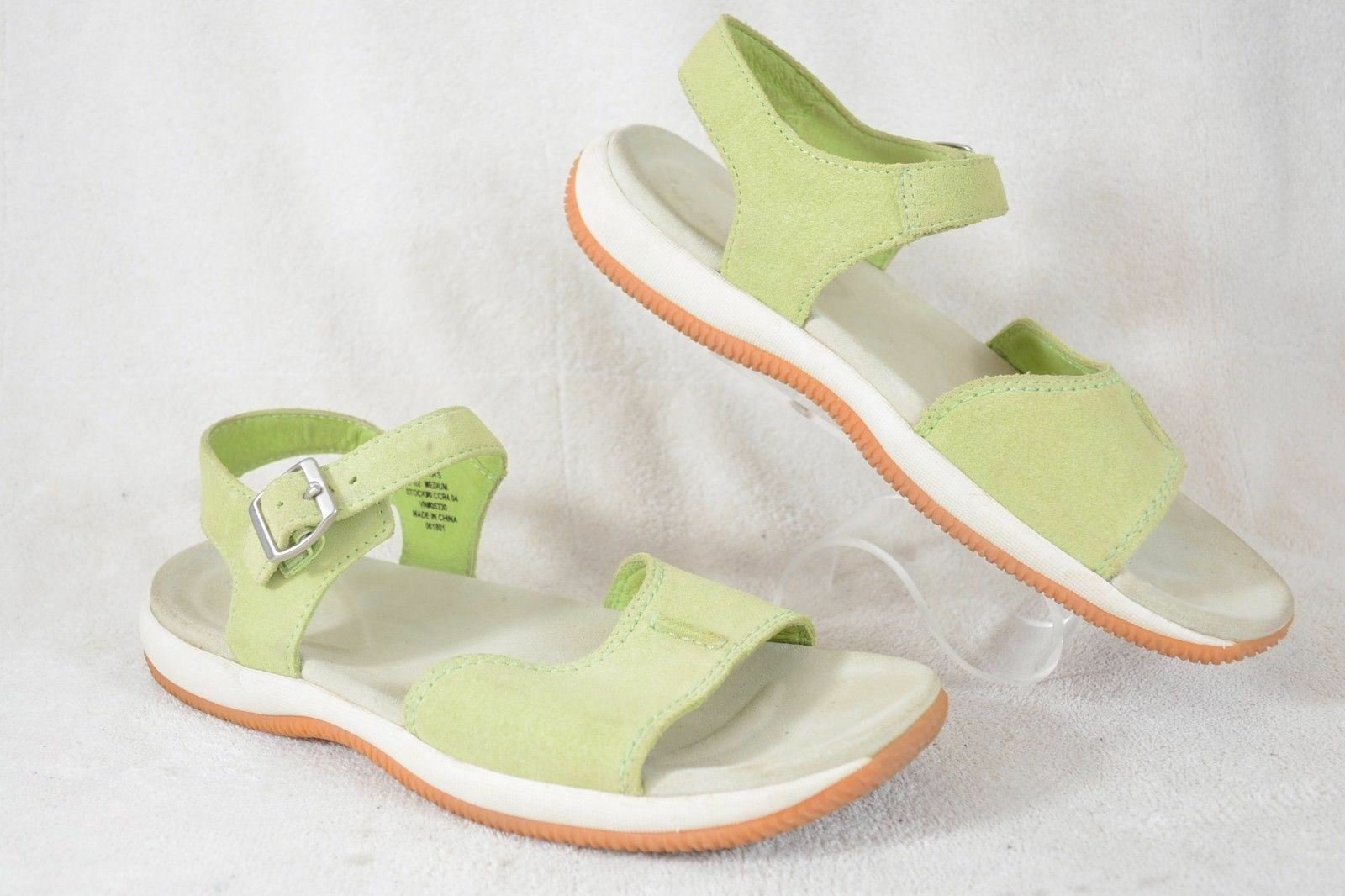 LL Bean Womens 9.5M Light Green soft suede ankle strap Sandals Y100