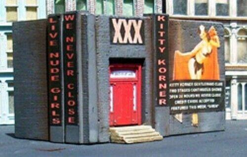 New in Box N Downtown Deco DD-2015  Kitty Corner KIT