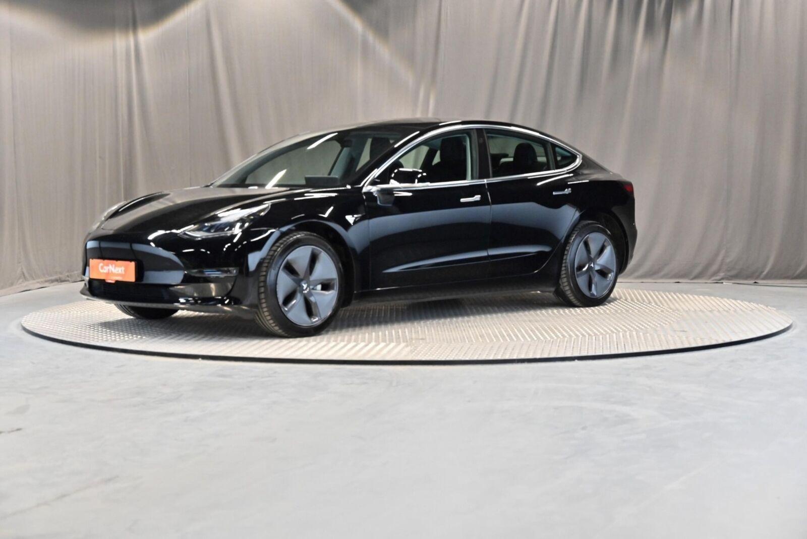 Tesla Model 3  Standard Range+ RWD 4d