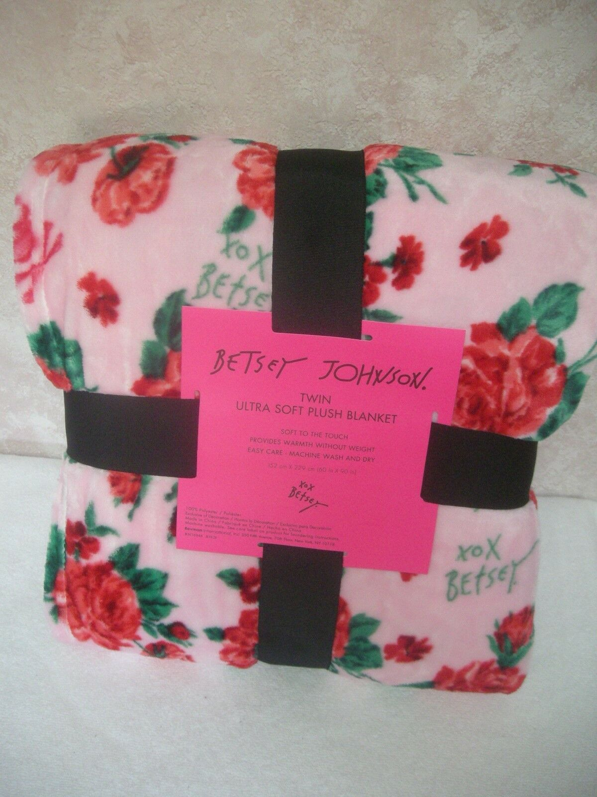Betsey Johnson TWIN Ultra Soft Throw Blanket Pink Red Grn Floral Skulls 60 X 90