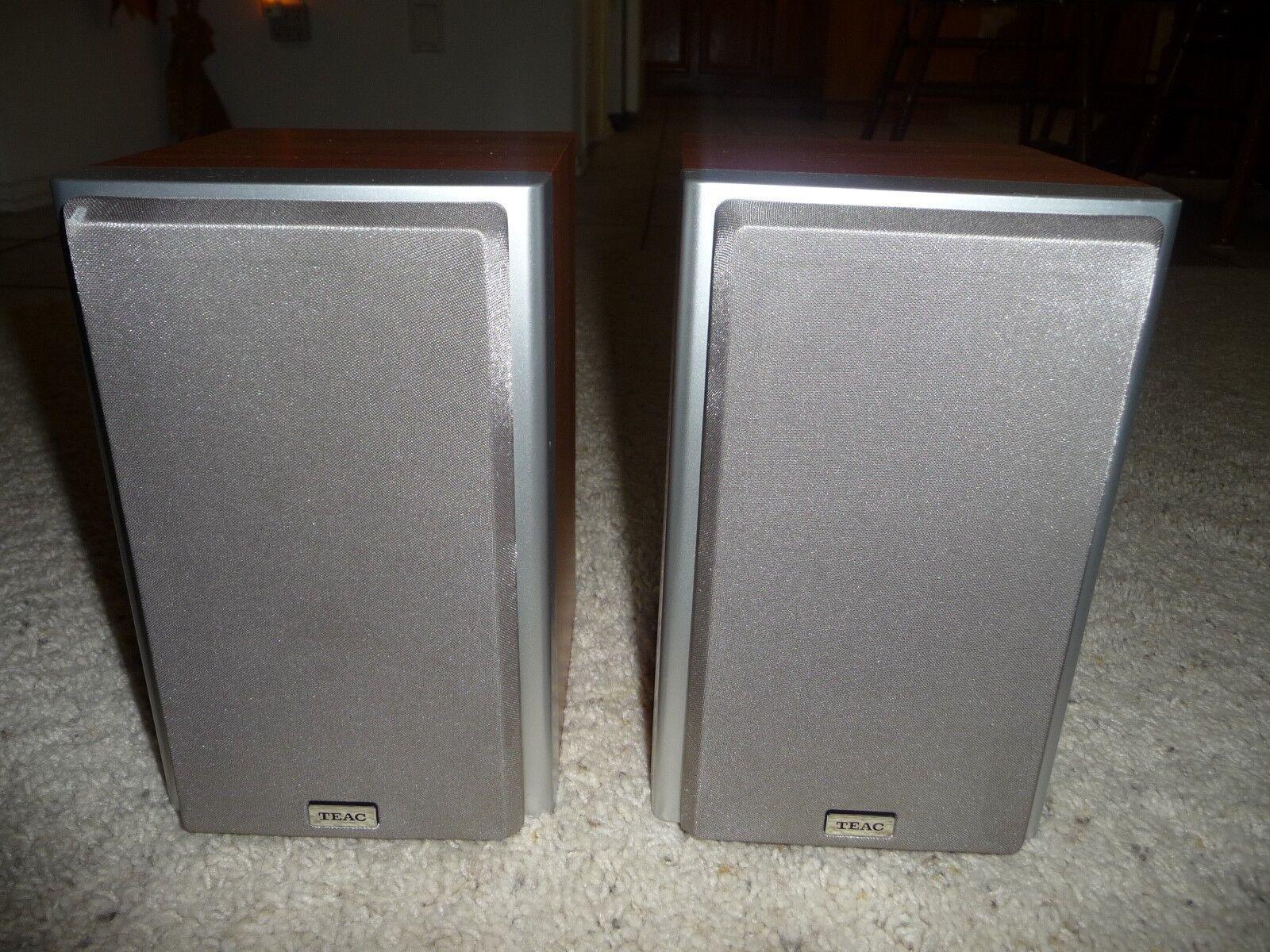 Teac 2-Way Wood Finish Speaker System Pair Bookshelf 9 x 6  15 Watts   8 Ohms