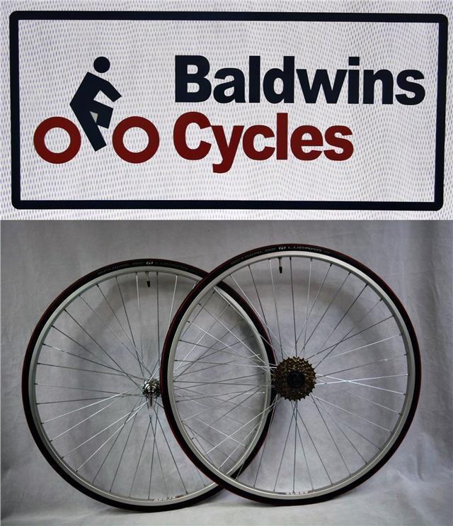 PAIR 700c Narrow Q R Wheels RED 700c x 23c Lugano Tyres & 5 Speed FreeWheel