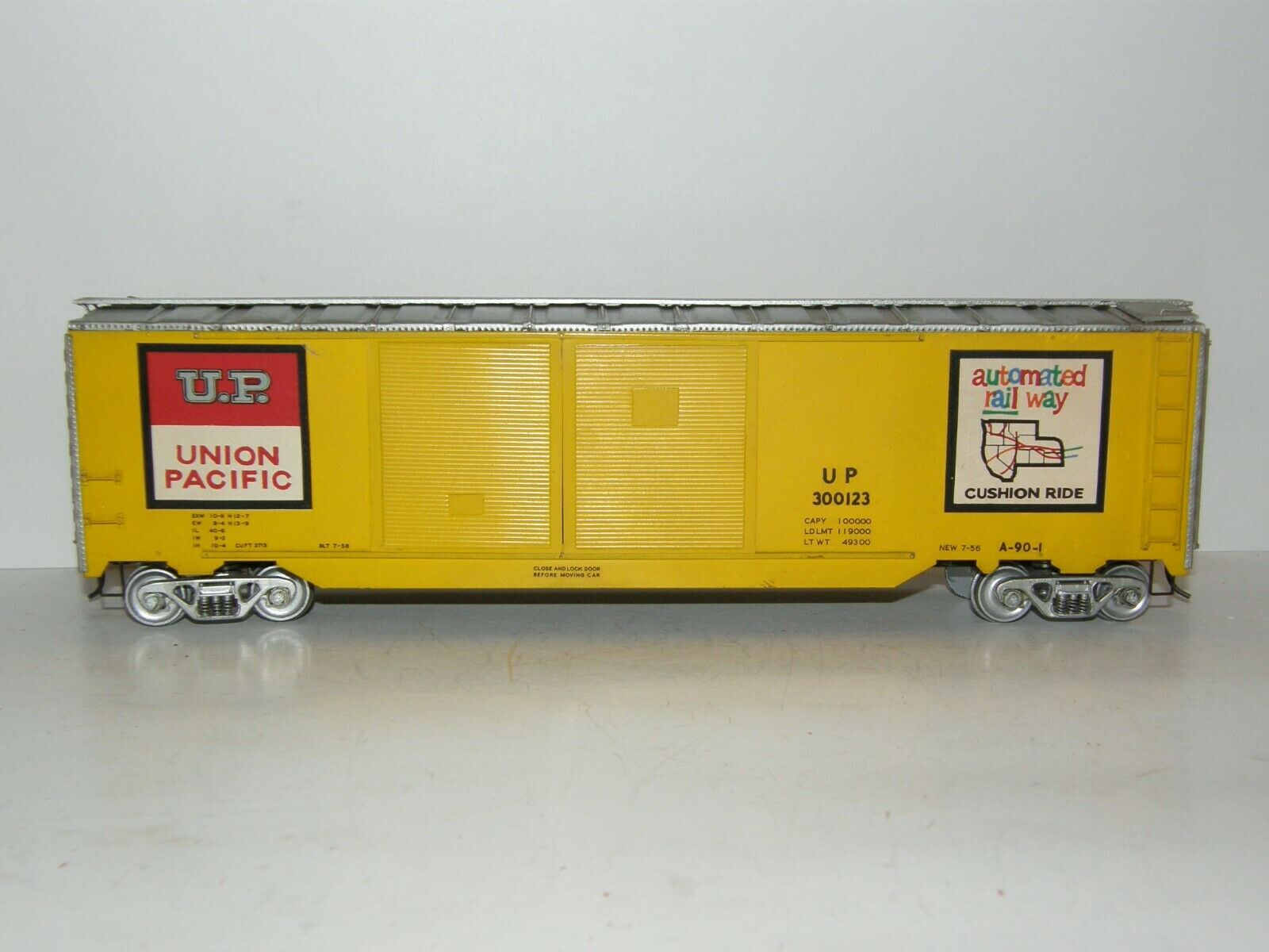 Union Pacific O Scale Metal   Wood  Double Door Box Car 300123 50' Built Kit Car