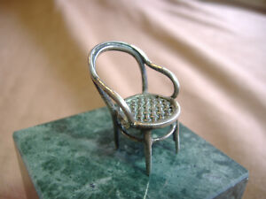 VINTAGE-MINI-STERLING-SILVER-WOVEN-SEAT-DOLLHOUSE-CHAIR-1-1-4-034-HIGH