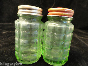 Vintage-Green-Hazel-Atlas-30-Salt-Pepper-Shaker-set-AS-IS