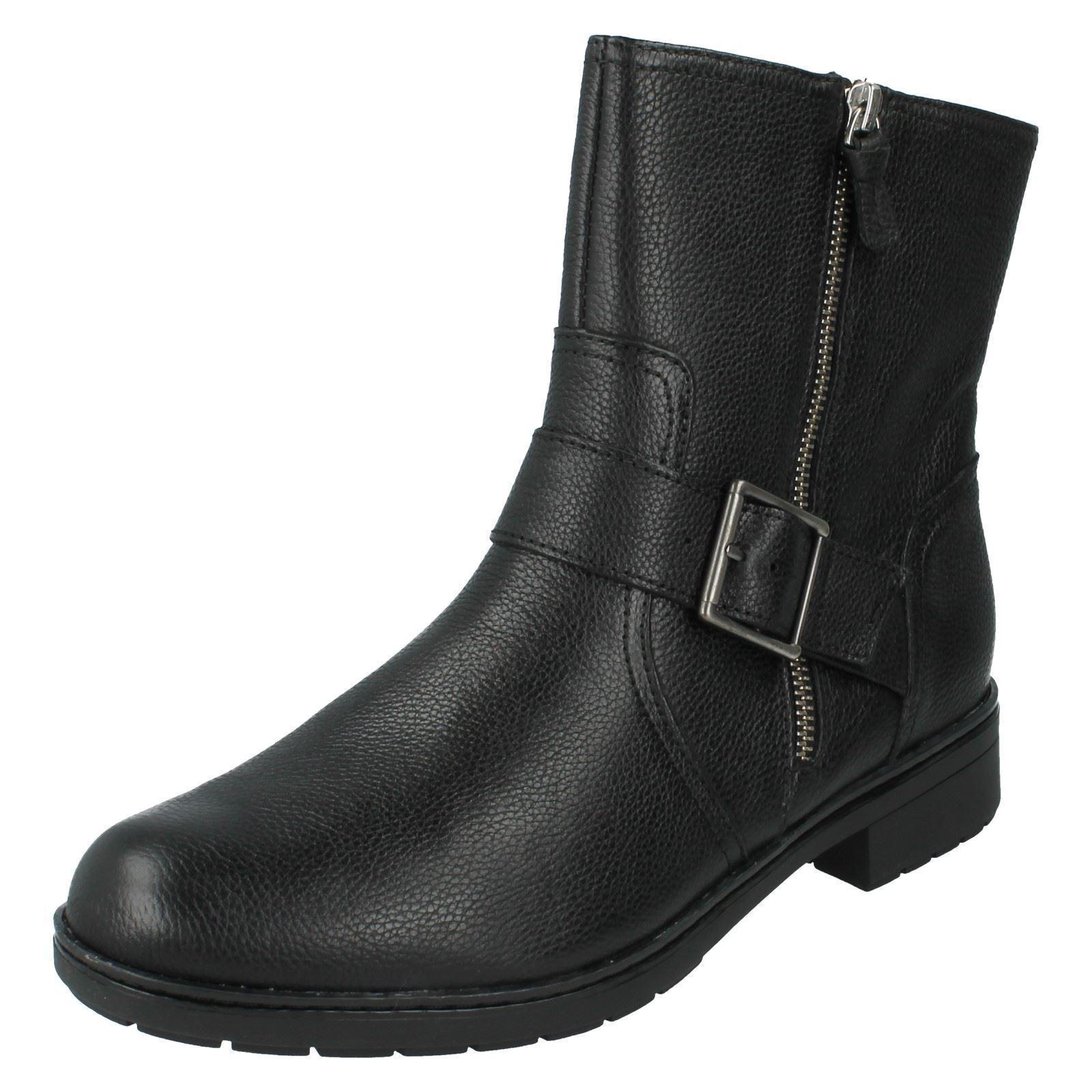 Vendita da women Clarks black Leather Stivali Merrian Lynn Vestibilità D