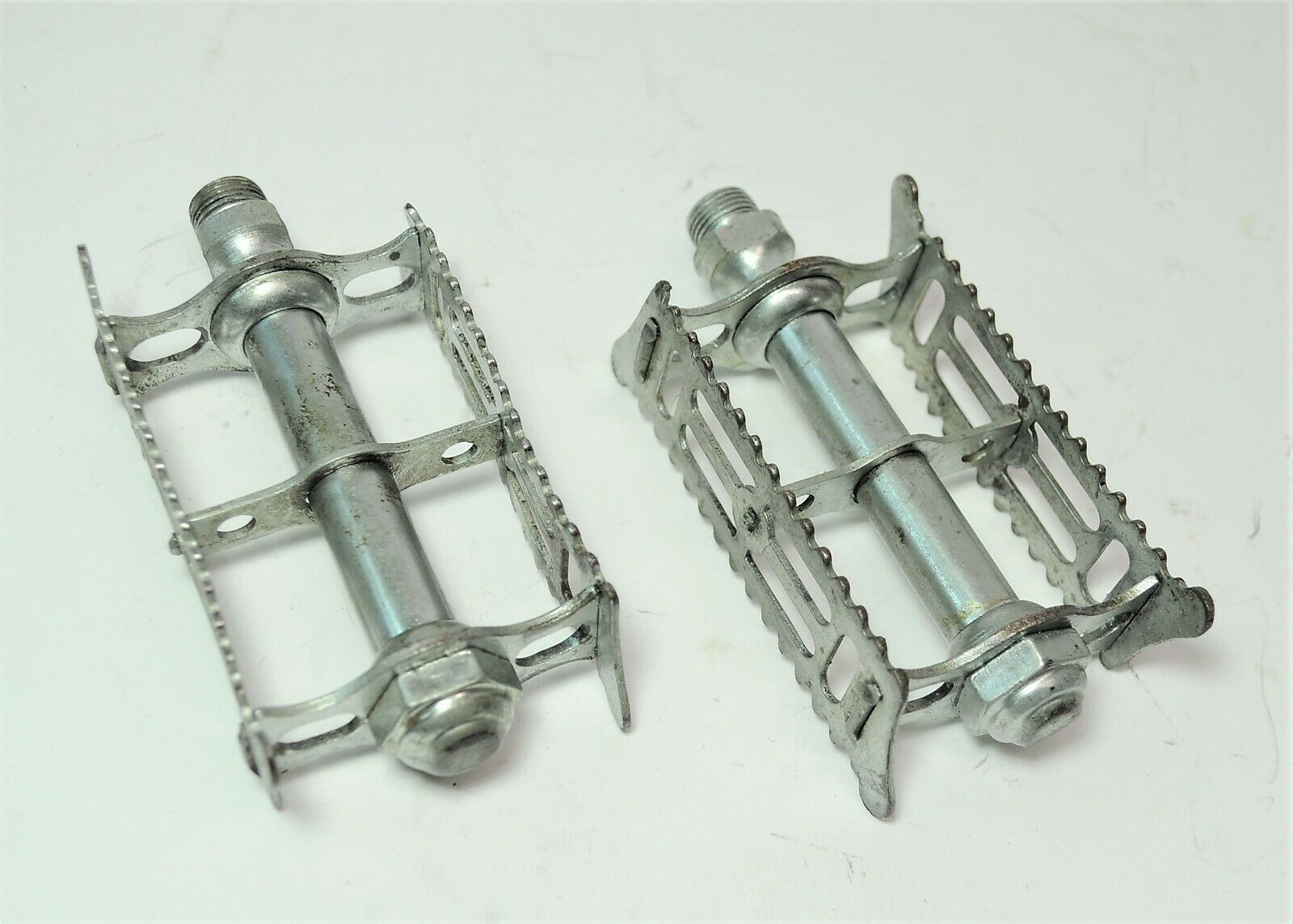 VINTAGE ITALIAN SHEFFIELD BICYCLE ZINK PLATED RAT TRAP PEDALS 9 16 X 20 TPI