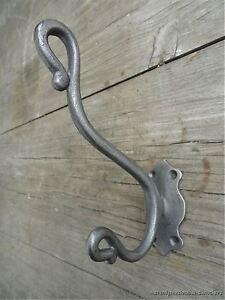 A STYLISH ANTIQUE STYLE TRUNK DOUBLE COATHOOK CAST IRON COAT HOOK RACK R4