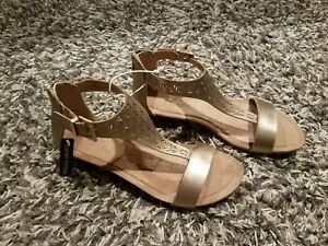 8965288bc5aa Kenneth Cole Reaction Great Gal Clip 3 Womens Size 7.5M Gold Wedge ...