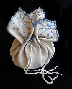 True Antique ARTS AND CRAFTS Embroidered Draw-String Pouch Purse Natural Linen
