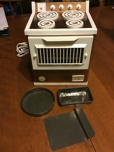 Vintage-JUNIOR-CHEF-Magic-Cool-Electric-Oven-No-6914-Trays-Pans-Tested-Works