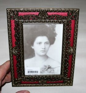 Antique-Brass-Finished-Picture-Frame-Victorian-Era-Styling-Made-in-Korea