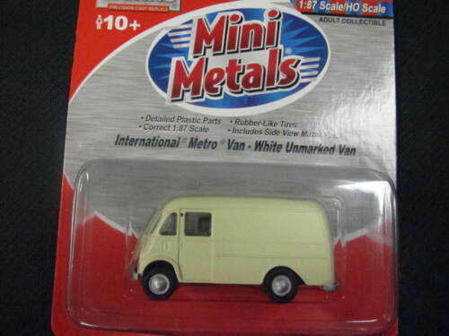 CMW Mini-Metals 1:87 HO-Scale International Metro Van White Unmarked Van
